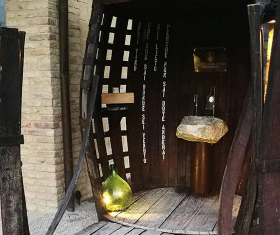 Free wine fountain in Caldari di Ortona